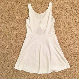 H&M Divided White Sleeveless Dress